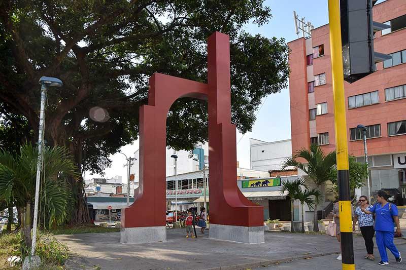 Restauración Escultura del Maestro Ricardo Gómez Vanegas - Cra. 27 con 56