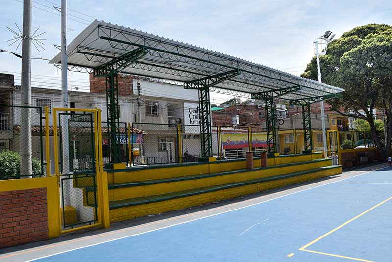 Escenario Deportivo y Juegos Infantiles - Diamante 1